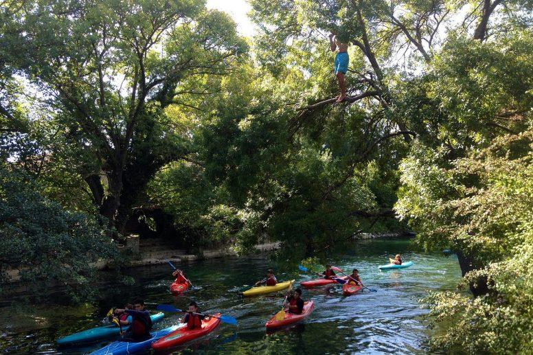 Descente de la sorgue en kayak image